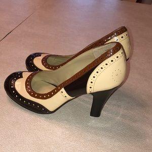 NWOT Dollhouse Vintage Pump Heels